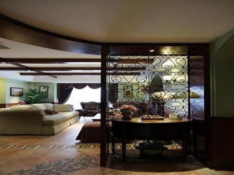 玄关 美式玄关  一扇日铁质雕花的屏风,朦朦胧胧透着屋内景致,别有一