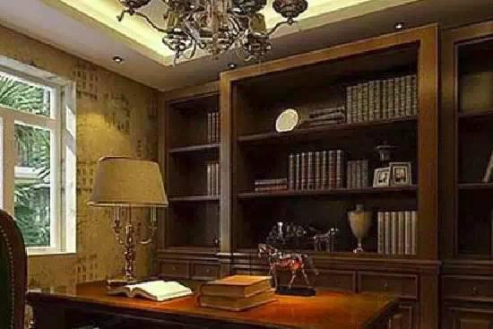书房 欧式书房吊顶装修效果图  这个桌子是可活动的,如果是换成实木的