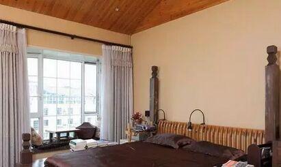卧室飘窗窗帘搭配 5  不同于公主粉的色彩,粉嫩跳色特别适合卧室.