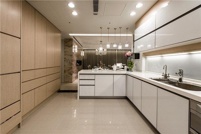 现代简约风格厨房特点--维意定制家具网上商城