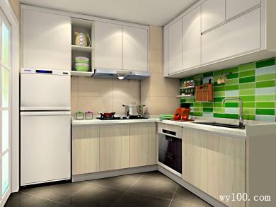 L型的布局厨房设计 吊柜设计增强储物功能 title=