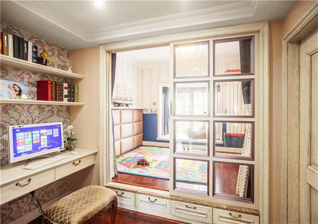 公寓小客厅榻榻米