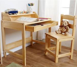 带抽屉儿童书桌