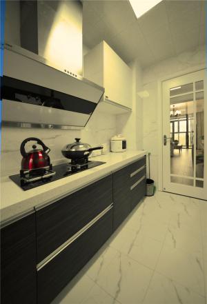 黑白小厨房橱柜