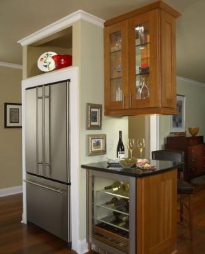 厨房与餐厅隔断酒柜