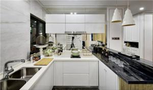 整体厨柜实景图
