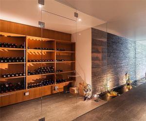 地下室家具酒柜