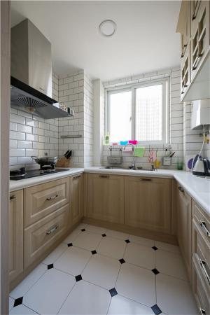 小户型设计U型厨房