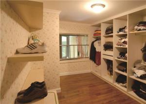 欧式奢华小型衣帽间装修效