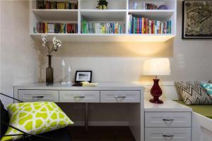 小房间榻榻米书桌搭配