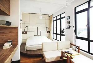 收纳榻榻米卧室地台床装修