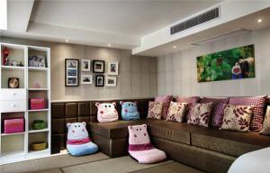 现代风格小客厅榻榻米照片