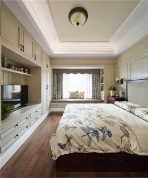 主卧室的床实景图