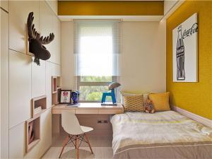 小卧室榻榻米书桌