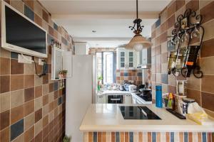 新款瓷砖厨柜