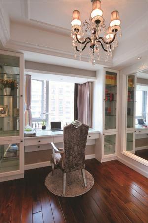 卧室书桌飘窗改造成书房