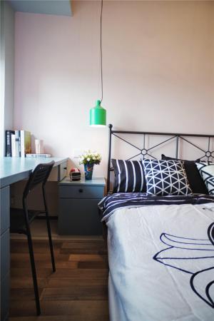 卧室床款式颜色搭配