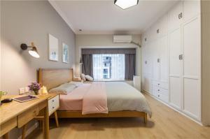 单人床单人房间