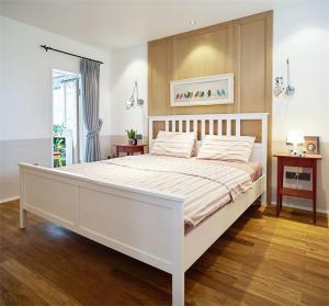 小户型装修实例主卧床设计