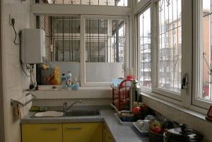 阳台改厨房效果图实拍