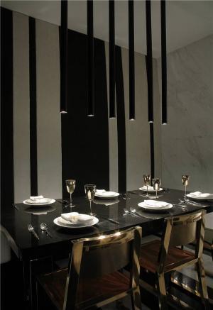 家装长方形餐桌