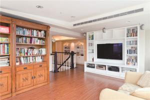 客厅背景墙整体书柜