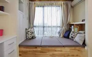 飘窗位置延伸出来的飘窗榻榻米床