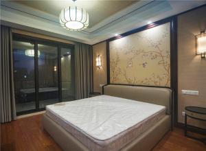 软包卧室床款式床垫选购
