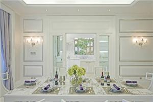 简约小客厅餐桌
