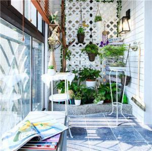 阳台装饰种植花花草草