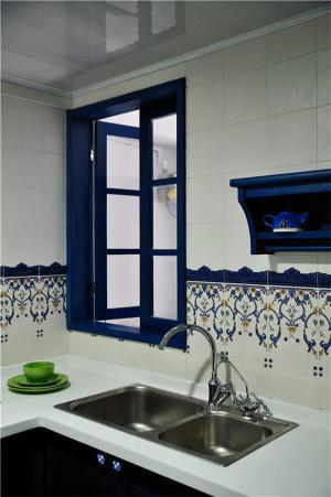 小卧室橱柜的水槽