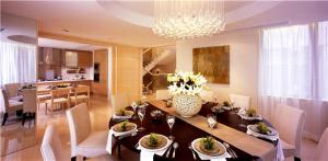 小户型客厅餐桌搭配