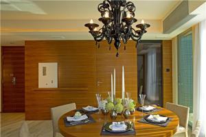 客厅餐桌椅实拍图