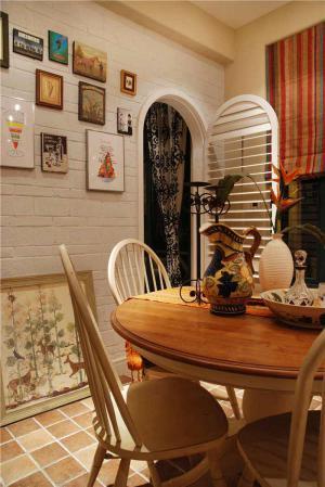客厅餐边柜样板间