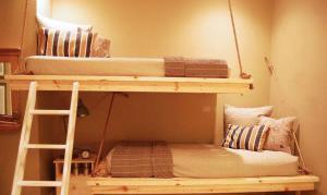 卧室高低床装修效果图设计