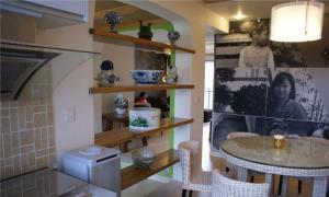 餐厅实用厨房酒柜装修效果图