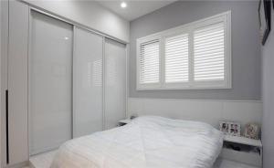 板式美式卧室衣柜