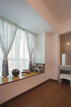 美式卧室飘窗装修效果图