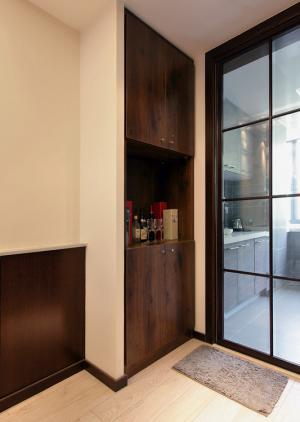 厨房边的酒柜造型