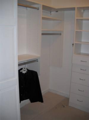 走入式衣柜样板间