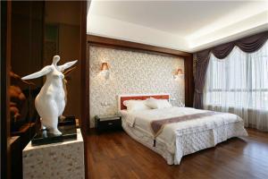 多功能主卧室装修设计