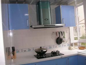 旧房改造阳台改厨房效果图