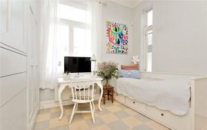 卧室书桌家具图片