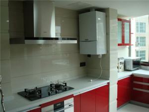 红色小厨房橱柜