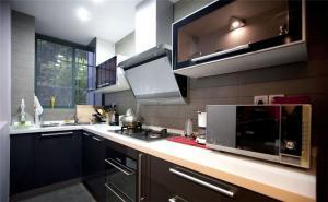 黑色简易厨柜