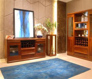 客厅餐边柜装饰