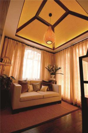 温馨布艺沙发
