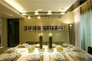 隐形餐桌风格