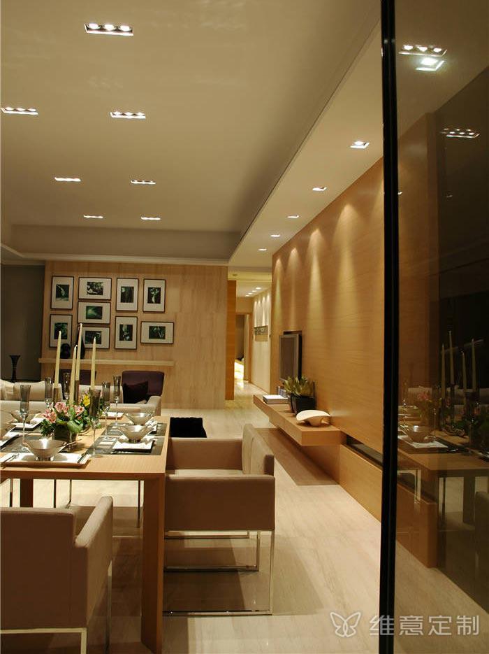 实木小户型客厅餐桌