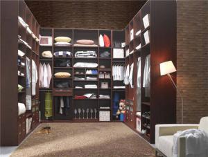 衣帽间整体衣柜实拍图